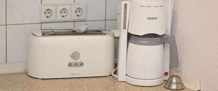 steinhuder-meer-ferienhaus-schwalbennest-kaffeemaschine-toaster-0567